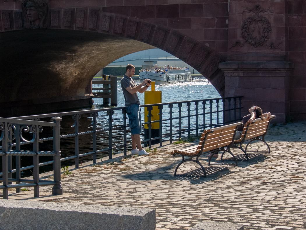 unter der Moltkebrücke