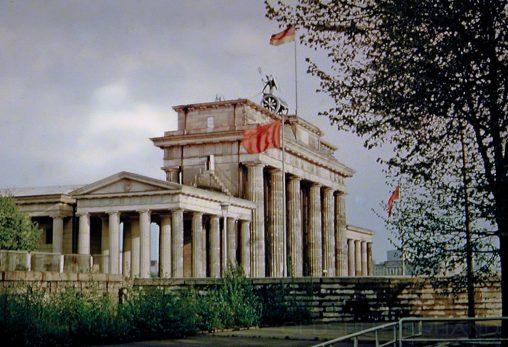 Brandenburger Tor mit Mauer