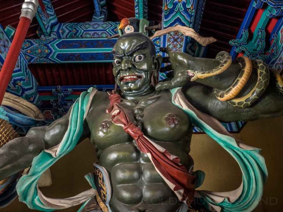 Tempelwache im Mazu Temple Tianjin