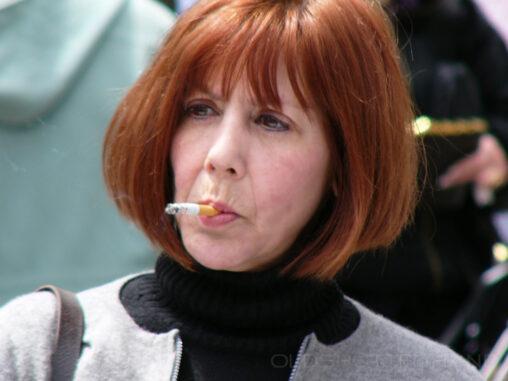 rauchende Dame