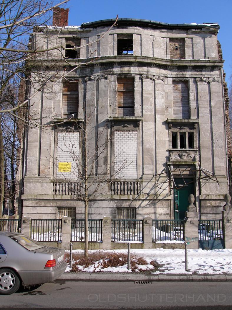 verfallenes Botschaftsgebäude in Berlin