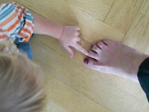 Finger und Zeh