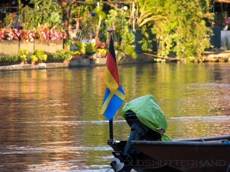 Mit Schwedischer und Deutscher Flagge