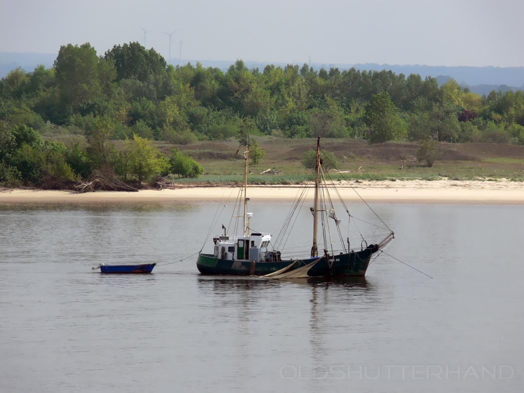 Kutter auf der Elbe