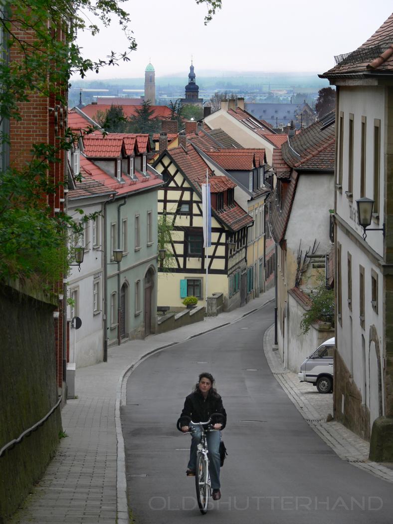 Mächen auf einem Fahrrad