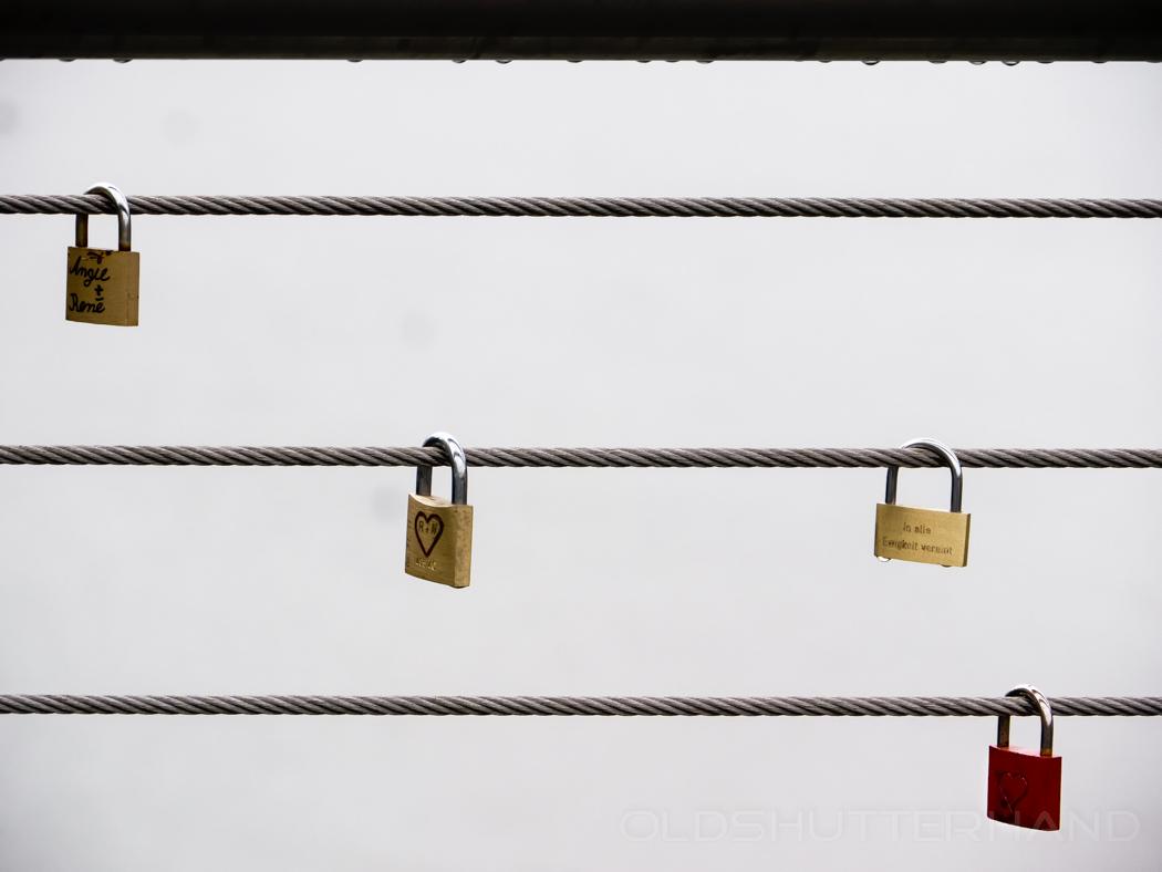 Liebesschlösser an der Kettenbrücke
