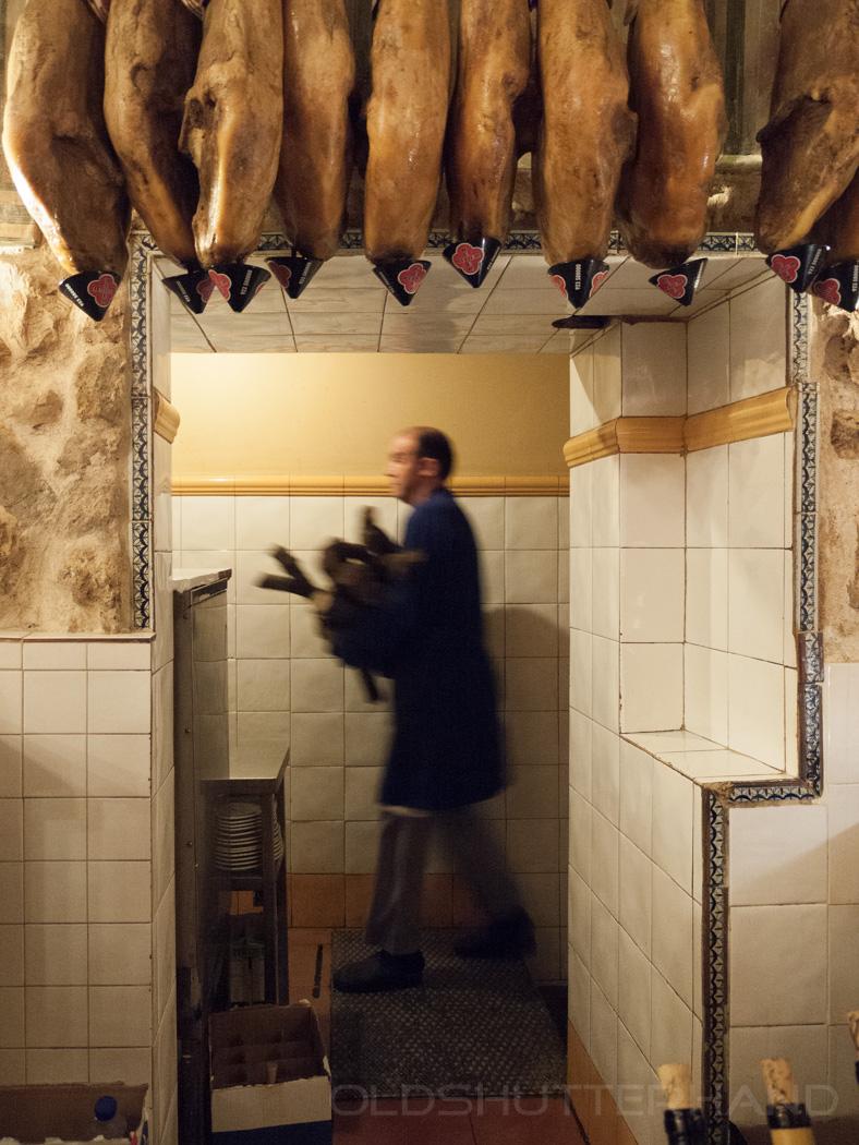 Vorbereitungen im Restaurant La Parrilla De San Lorenzo in Valladolid