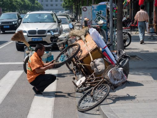 Fahrradreparatur in Tinajin