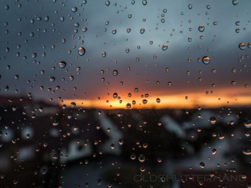 Regentropfen Sonnenuntergang