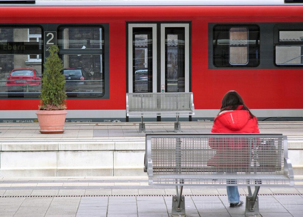 Zug im Bahnhof Bamberg